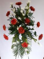 483 - smuteční vazba z umělých květů